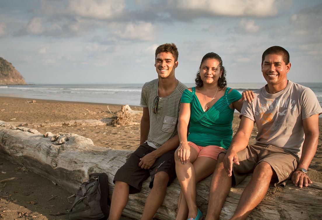 Santos, Yorleny y Roberto