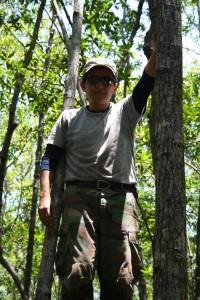 Miguel Cifuentes trabajando en los bosques de mangle de América Central
